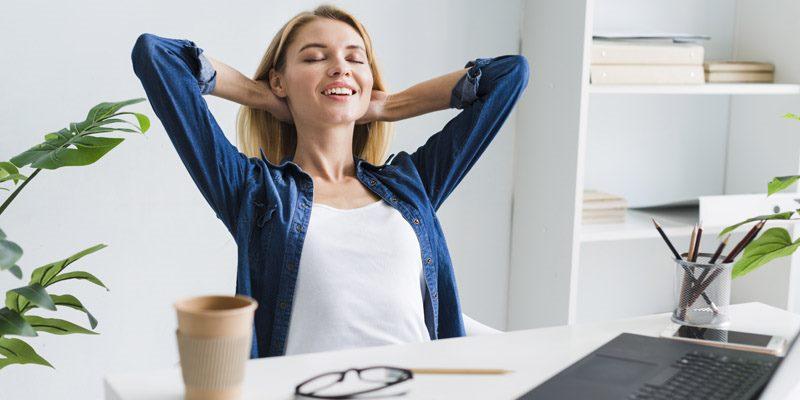 Consejos y ejercicios para evitar y prevenir el dolor de espalda asociado al teletrabajo